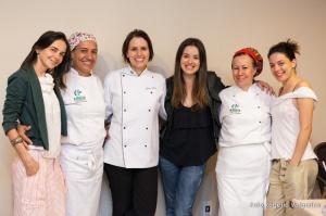 A equipe do CF Café e as estagiárias, alunas da Prof. Sabrina na Faculdade Barão de Mauá